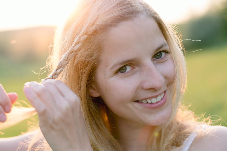 5 ájurvédských tipů pro zdravé a silné vlasy i v létě
